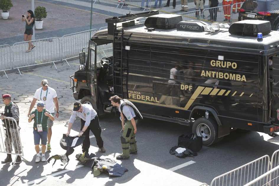 suspicious package near the mens cycling road race final