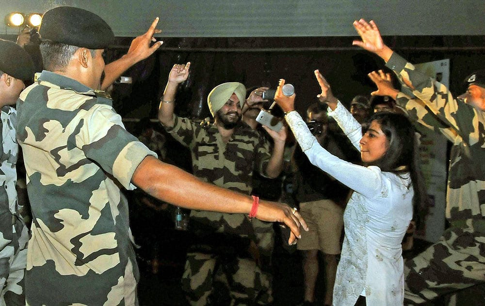 Bollywood singer Shilpa Rao dancing with BSF(Border Security Force) jawans ahead of the Raksha Bandhan festival