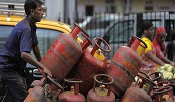 Only Rs 1,764 cr subsidy saved by DBT scheme on LPG: CAG