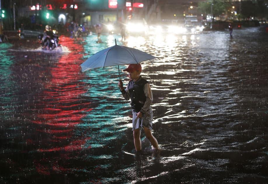 heavy rain pours in Manila, Philippines