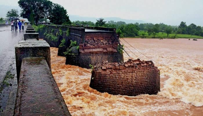 Mahad bridge collapse: Indian Navy locates another car with bodies trapped inside