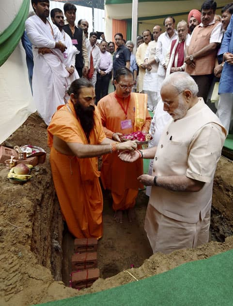 Bhoomi Pujan for new BJP HQ construction