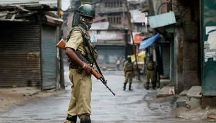 Curfew, shutdown continue for 43rd day in Kashmir, J&K govt employees asked to resume duties