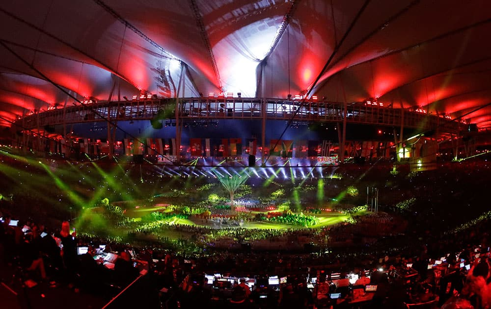 Artists perform during the closing ceremony in the Maracana stadium