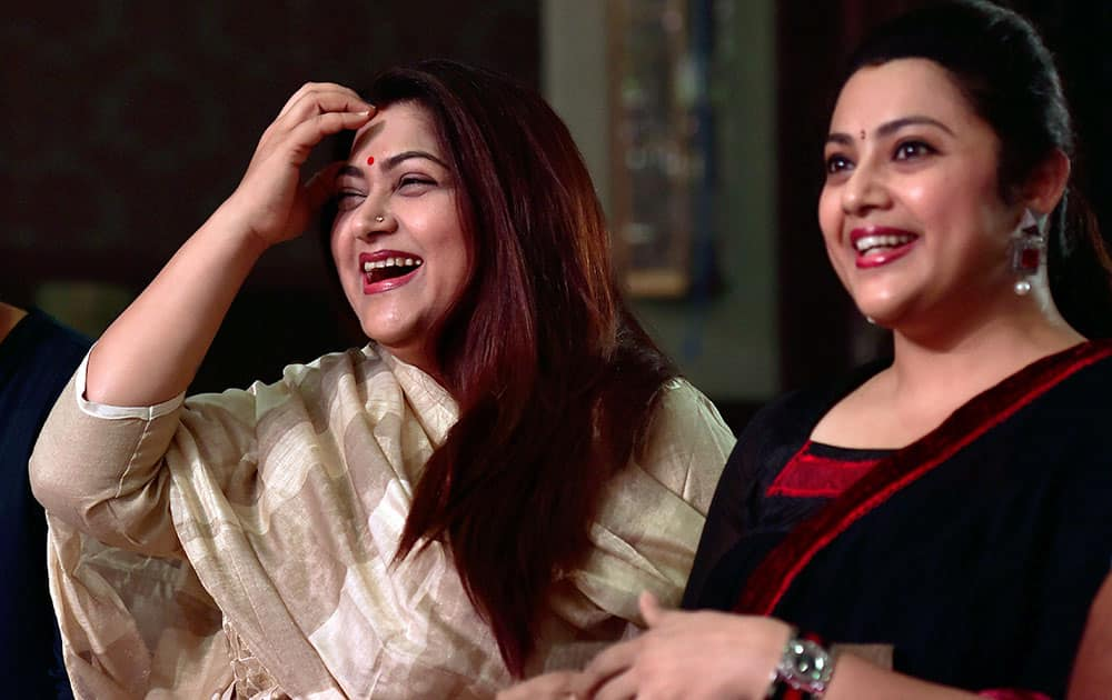 Kushboo with Meena during the unveiling of logo and jersey of the team Chepauk Super Gillies of the Tamil Nadu Premier League