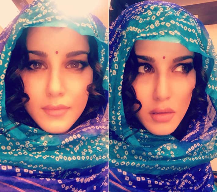 Tomas Moucka's make-up is always flawless!!- Sunny Leone