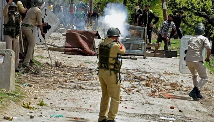 Govt panel for chilli-filled grenades, stun lac shells as alternatives to pellet guns