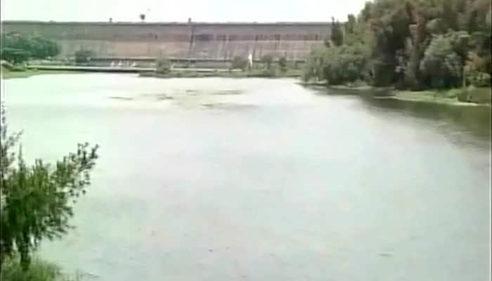 Karnataka releases Cauvery water to Tamil Nadu; farmers continue protest, schools shut