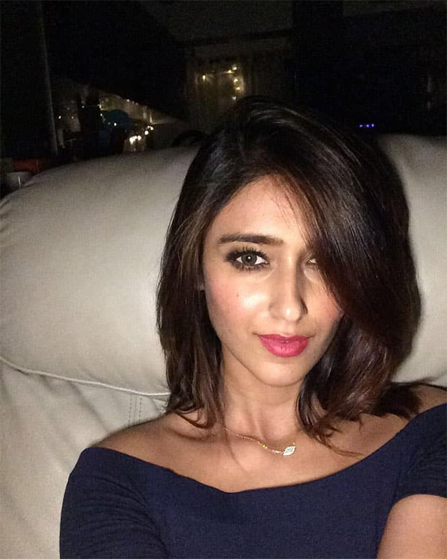 Ileana D'Cruz :- Ever since I got my new S6s, all my selfies turn out bright and clear, every time