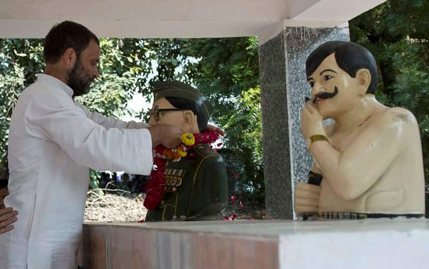 Congress Vice President Rahul Gandhi garlands a statue of Netaji Subhash Chander Bose during his visit to Hamirpur in UP