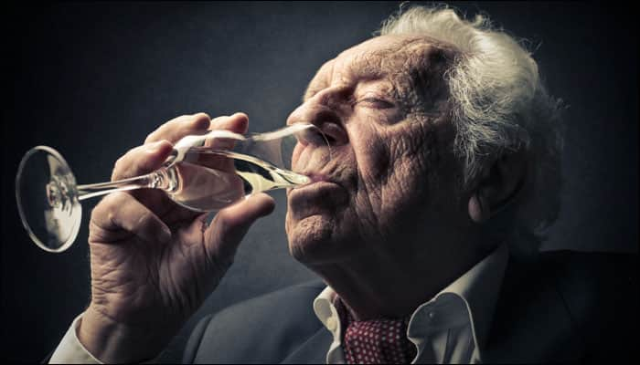 Heavy drinking may impair cognitive function in elderly ...