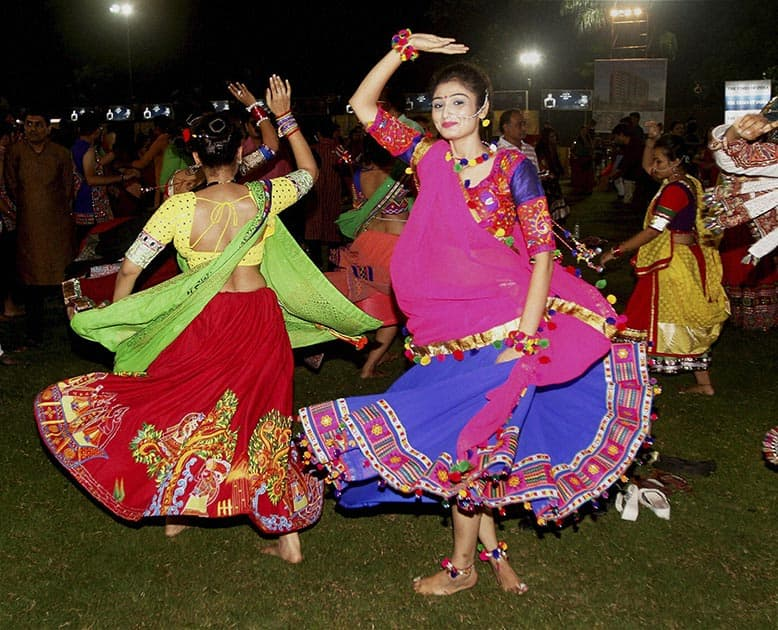 Artists perform Garba on the second day of Navratri