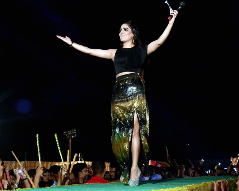 Actress Garima Kapoor participating in a 'Dandiya