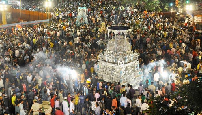 Hindu artist from Gujarat makes Tazia for Muharram, sets example of communal harmony