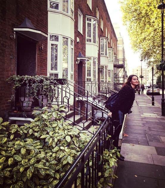 Lovely day in London!- Sonakshi Sinha
