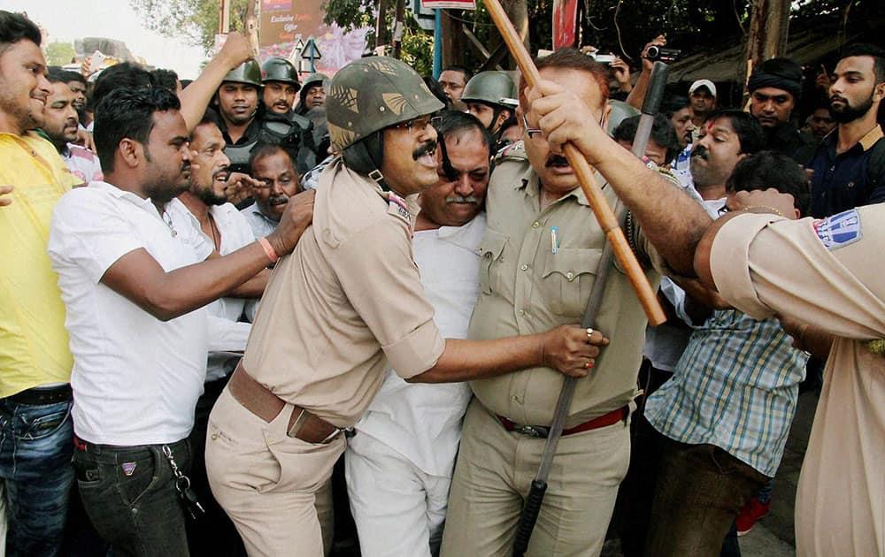 Clash between TMC and BJP activists