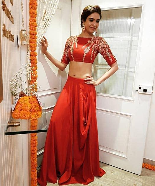 Instagram/karishmaktanna