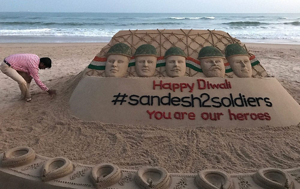 Sand art dedicated to Indian soldiers