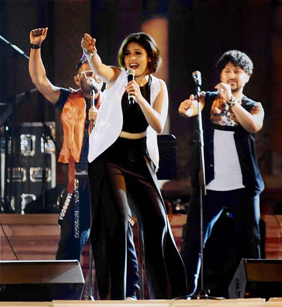 Noted playback singer Sunidhi Chouhan performs during 61st Madhya Pradesh foundation day programme at Lal Parade ground in Bhopal