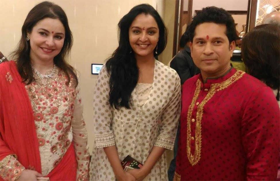 Sachin Tendulkar & Amitabh Bachchan attend Diwali bash of Kalyan Jewellers