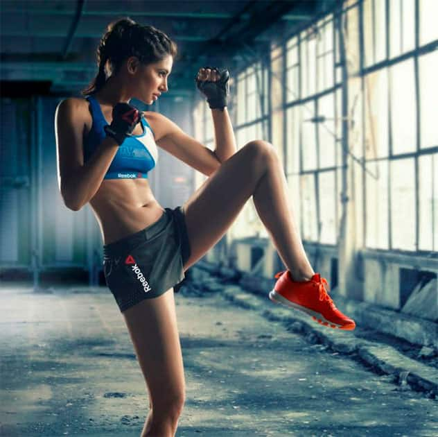 Challenging yourself every day is one of the most exciting ways to live. #fitnessfridays #motivation #positivevibes - Twitter@NargisFakhri