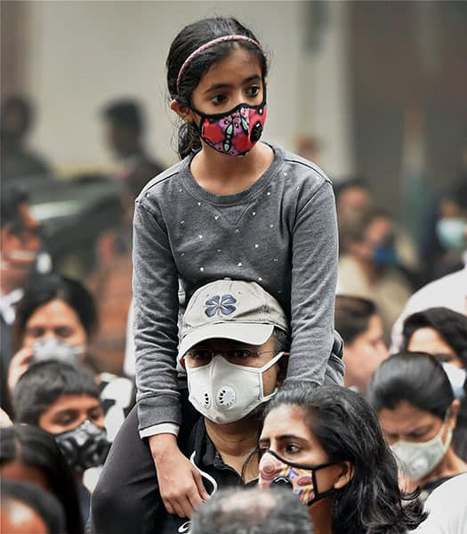 Citizens protest against air pollution