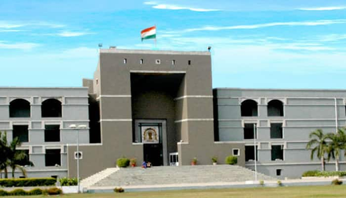 Demonetised notes' usage period should be extended: Gujarat HC