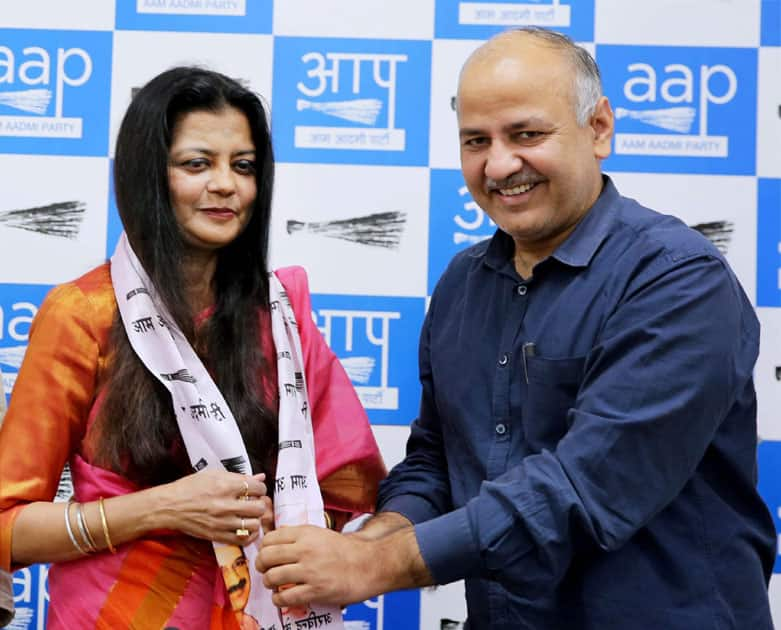Poonam Azad as she joins Aam Aadmi Party