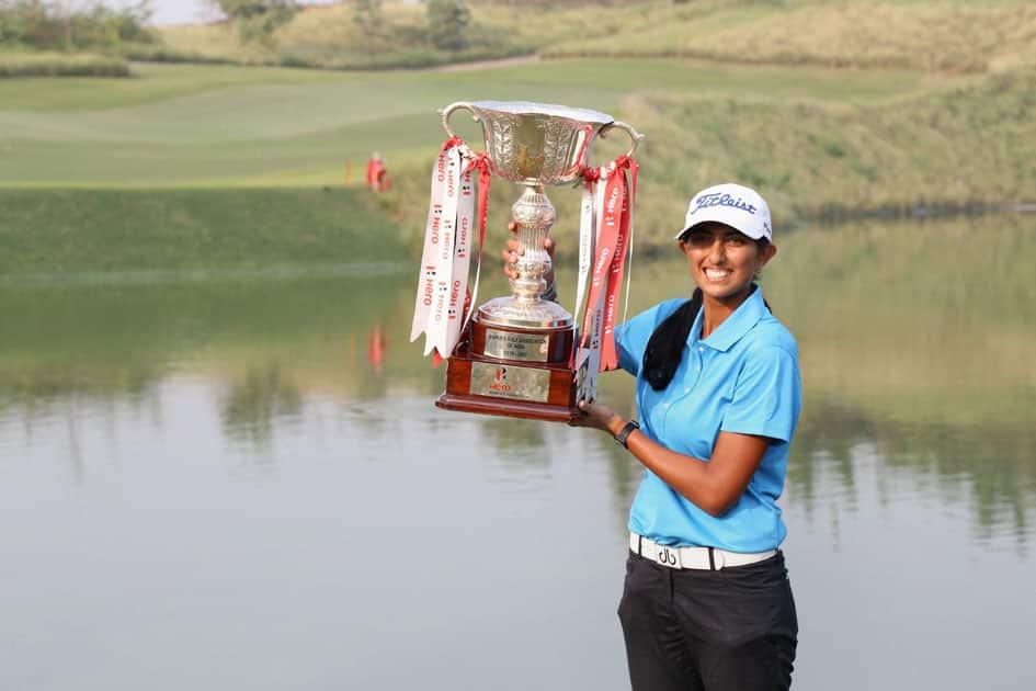 Aditi Ashok with Hero Women's Indian Open Golf trophy