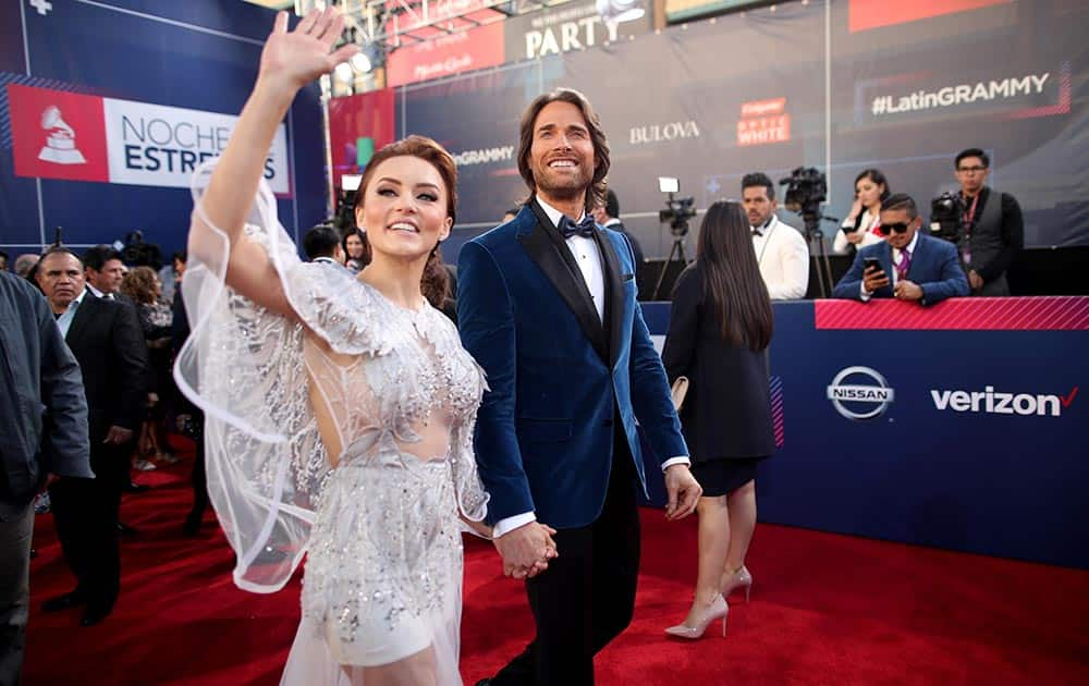 Angelique Boyer (L) and actor Sebastian Rulli attend The 17th Annual Latin Grammy Awards