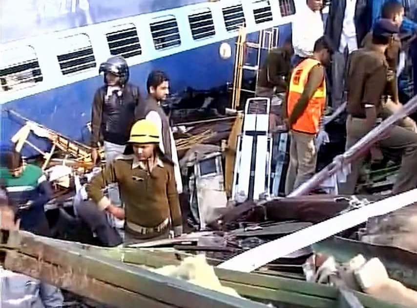 Patna-Indore Express derails
