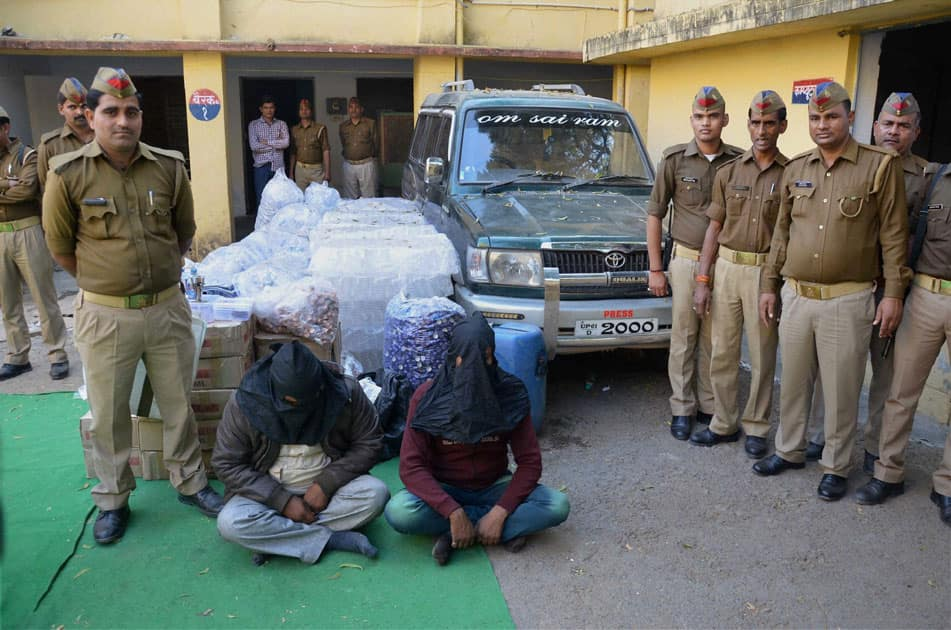 Police arrest two persons in mirzapur