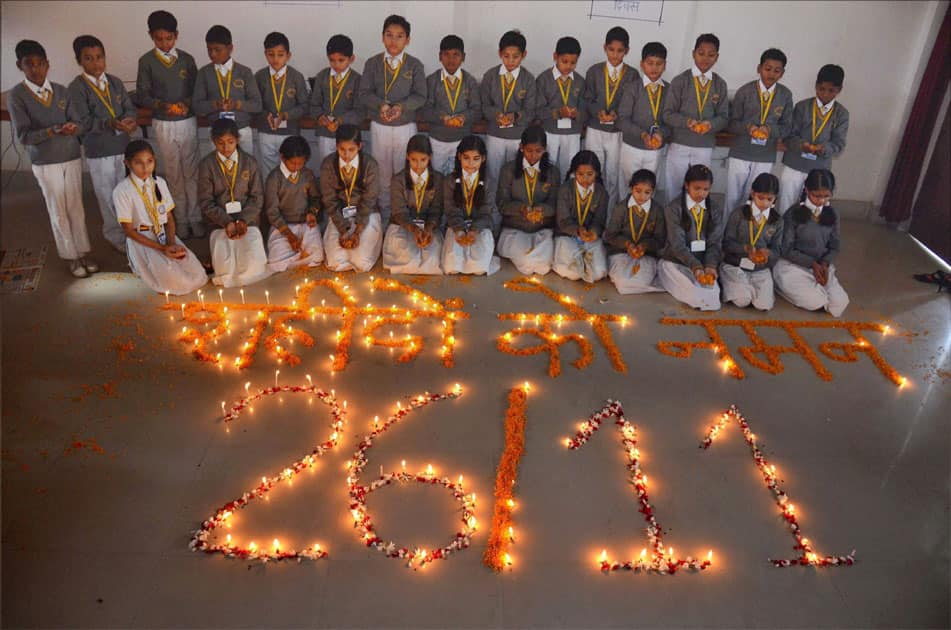 Children pay tribute to the martyrs of 26/11 attack