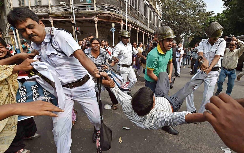 SUCI protest in Kolkata