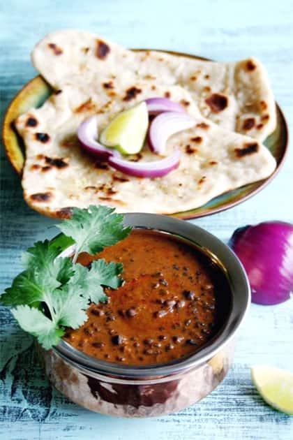 Dal makhani with tandoori roti