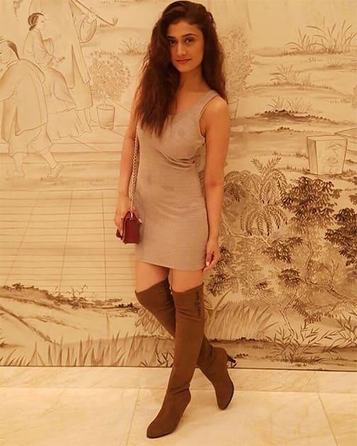 Instagram-raginikhanna