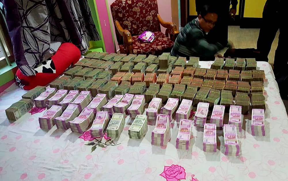 Income Tax recovered new currency notes