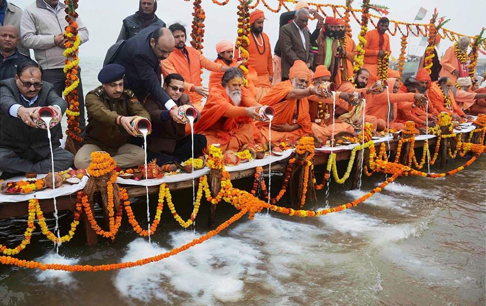 Ganga ritual in Allahabad