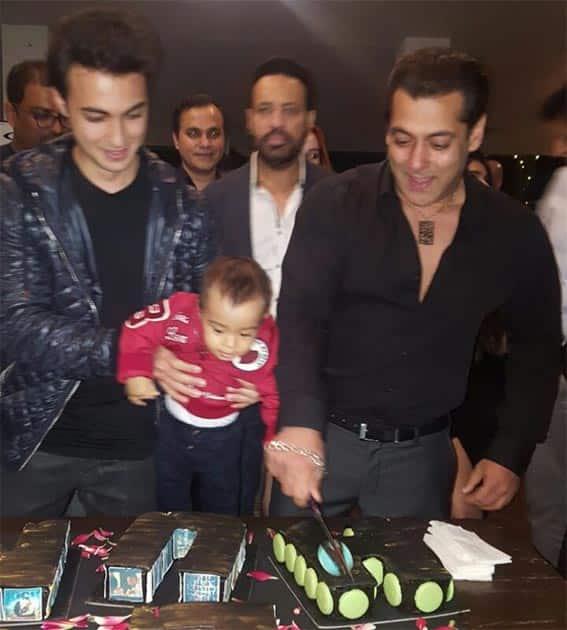 Twitter-Salman Khan Universe
