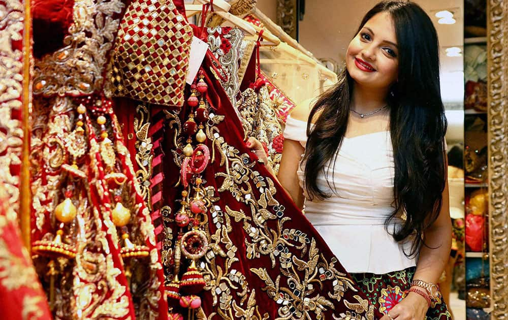 TV actress Giaa Manek displays designer creation