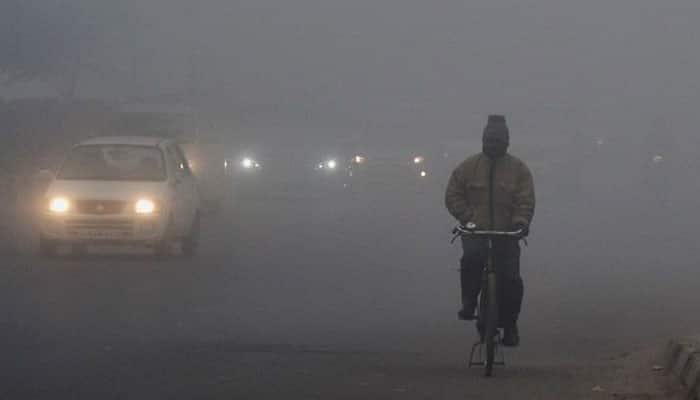 Dense fog, chilly New Year awaits north India