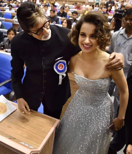 Winner of Best Actor award Amitabh Bachchan