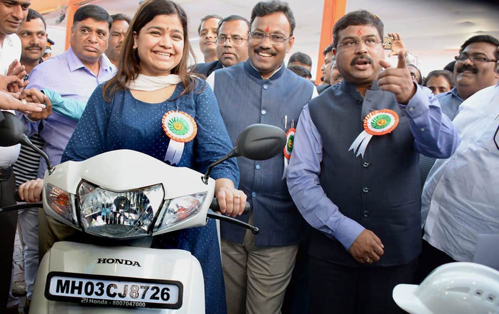 Launch of CNG-two-wheelers