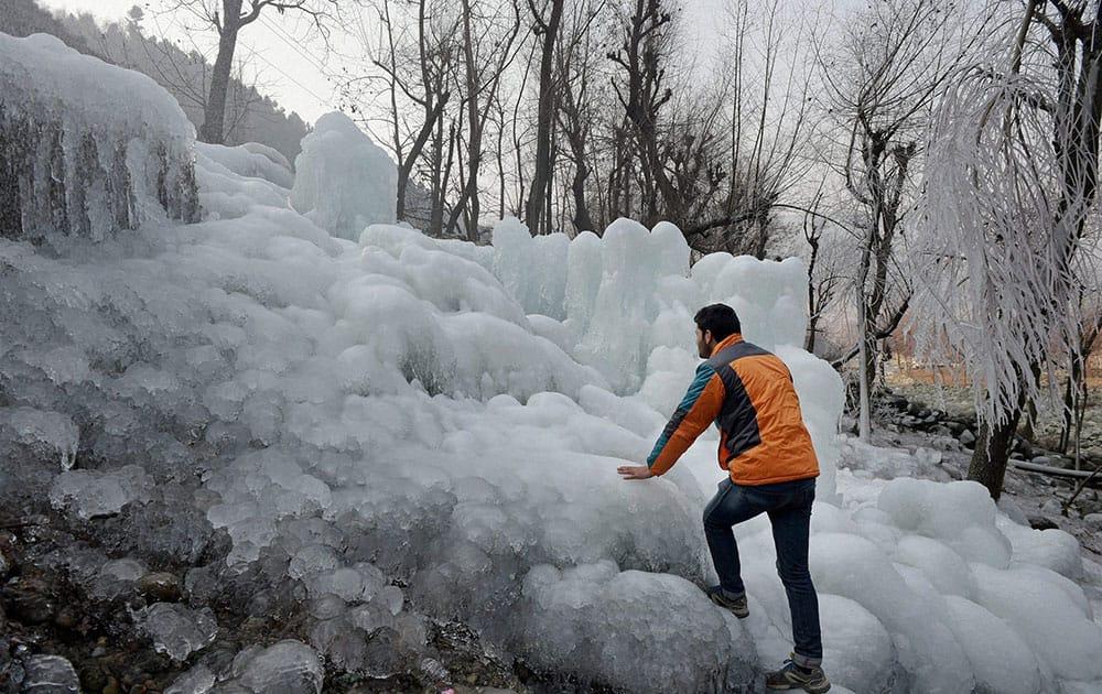 Snow in Kashmir