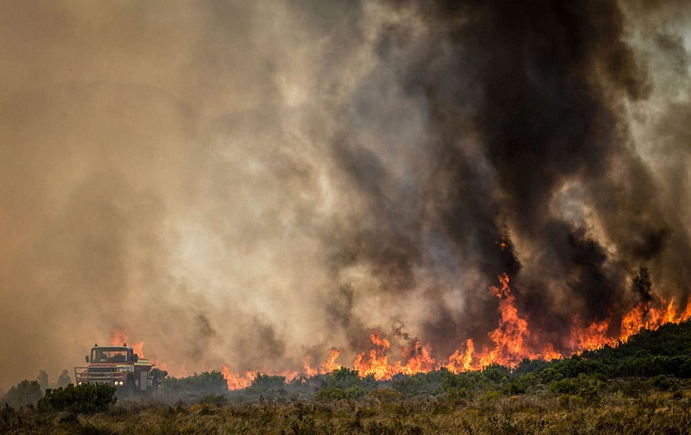 fire is fought in Somerset West near Cape Town
