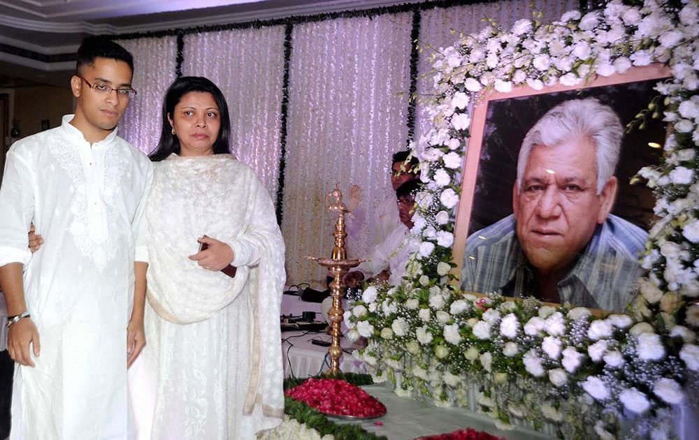 Bollywood late actor Om Puri's his wife Nandita Puri with son Ishaan Puri attends a prayer meeting of late actor Om Puri, in Mumbai