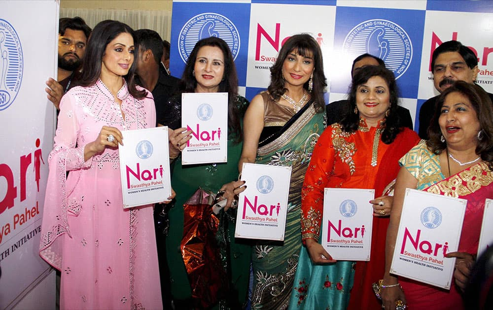 Sridevi and Poonam Dhillon in Ahmedabad