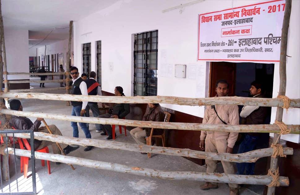 Policemen on dutyfor forthcoming Uttar Pradesh