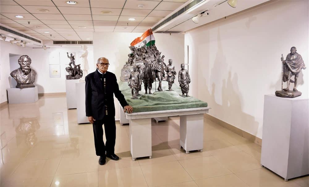 Sculptor Ram V Sutar at an exhibition in Delhi