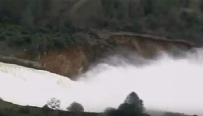 Alarming! Oroville Dam in US overflows as thousands